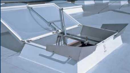 Klapy oddymiające na dachach skośnych